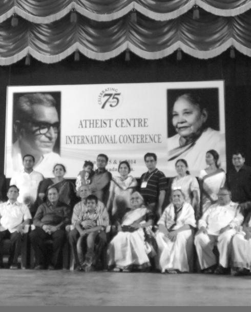 Mitglieder der Familie Gora und leitende Mitglieder des Atheist Centre, Foto: Katrin Jura.