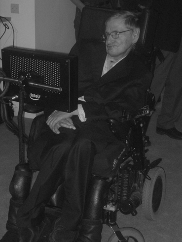 "Stephen Hawking bei der Eröffnung seines ""Center for Theoretical Cosmology"" am 19. Dezember 2007 an der Cambridge University. Foto: Rüdiger Vaas"