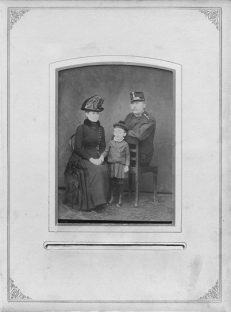 """Im 19. Jahrhundert: die Familie als das """"organische Vorgebildet der Gesellschaft""""."""