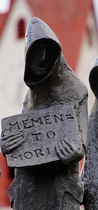 "Katholisches Mittelalter: ""Ein graues memento mori ersetzt das bunte carpe diem."" (Foto: © CCO Creative Commons / pixabay.de)"
