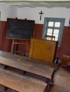 Kruzifix im Klassenzimmer: Adieu! Foto: Dieter Schütz / pixelio.de
