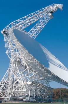 105 Meter große Antenne: Die Suche nach fremden Zivilisationen geht in eine neue Runde. Eine Hauptrolle spielt das größte bewegliche Radioteleskop der Welt, das Robert C. Byrd Green Bank Telescope in West Virginia, USA, Foto: NRAO, AUI, NSF
